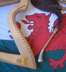 Welsh flag and bagpipes, with harp